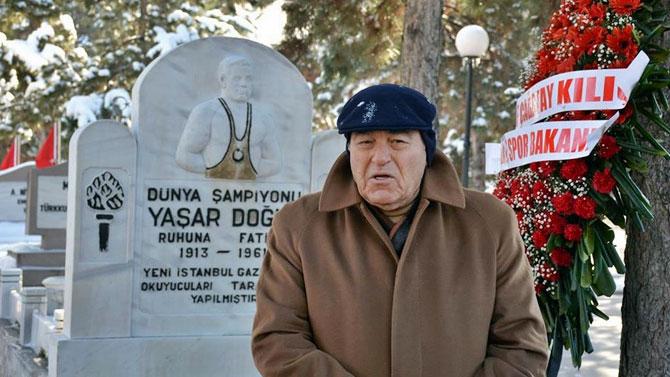 yasardogu_mezar_kabir_080115