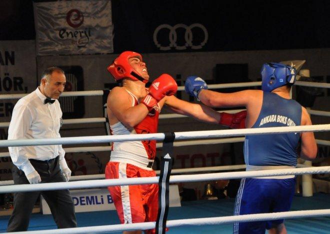turkiye-genc-erkekler-ferdi-boks-sampiyonasi-IHA-20140111AW000655-2-t