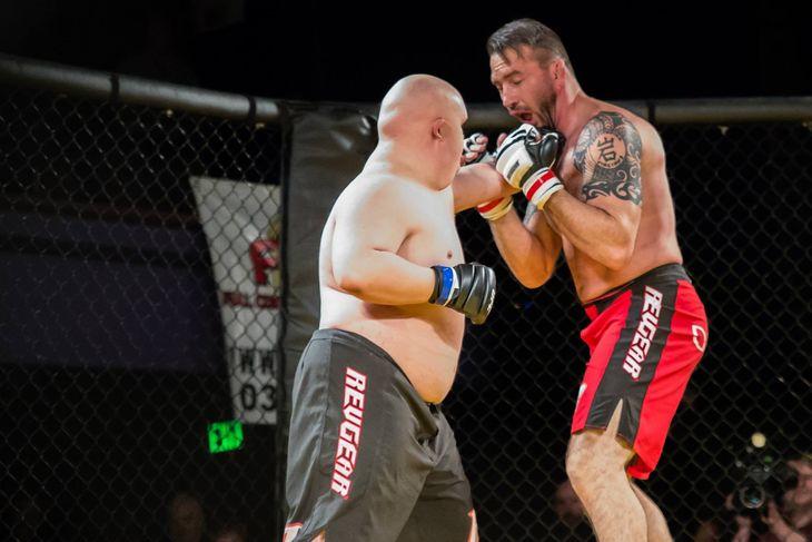 Ex-UFC deixa aposentadoria aos 43 anos para lutar por um bom motivo