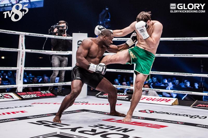artem-vakhitov-vs-zack-mwekassa-0008