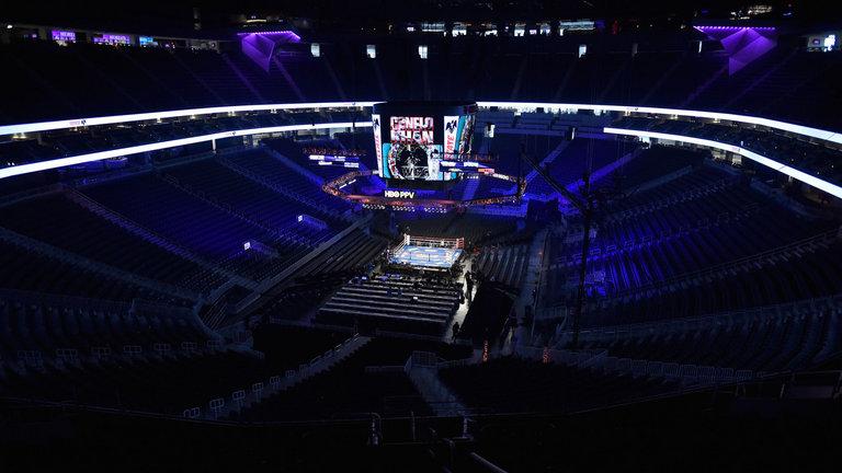 T-Mobile Arena 26 Ağustos Mayweather vs McGregor ve 16 Eylül Canelo vs Golovkin maçlarına da ev sahipliği yapacak
